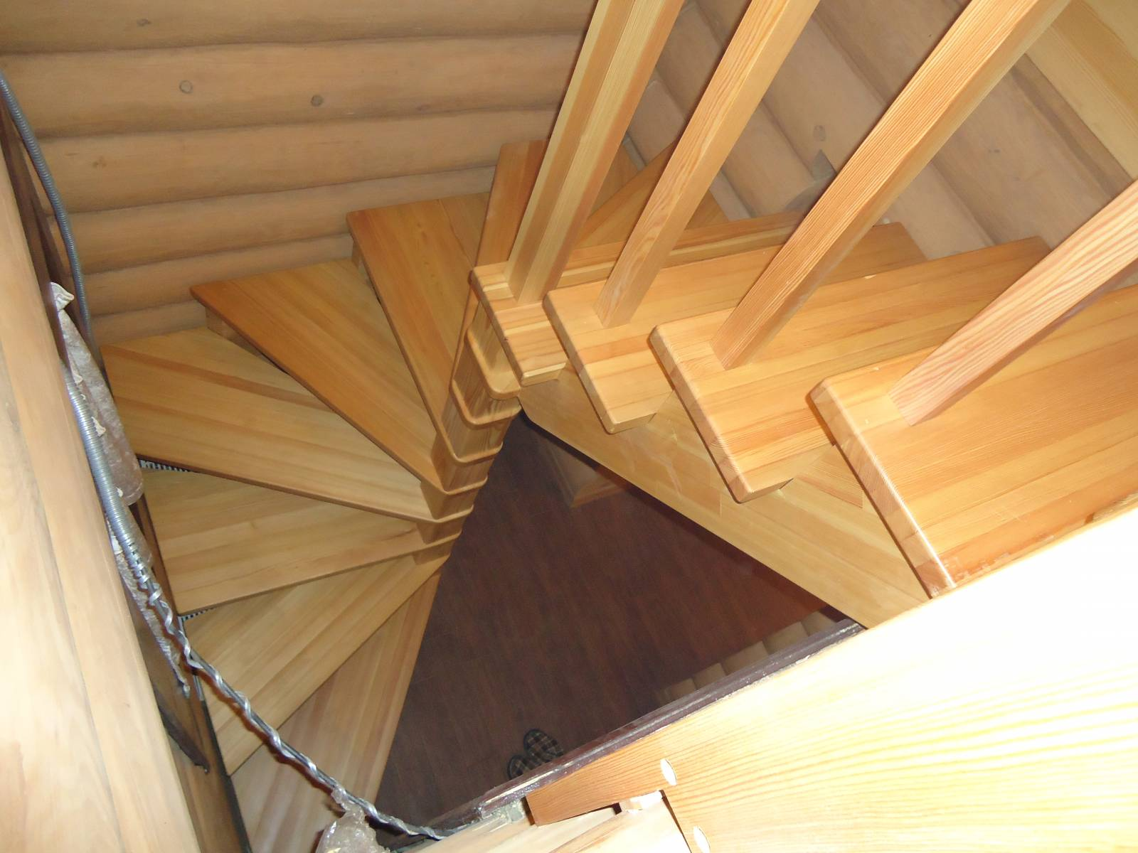 Винтовая лестница своими руками 58